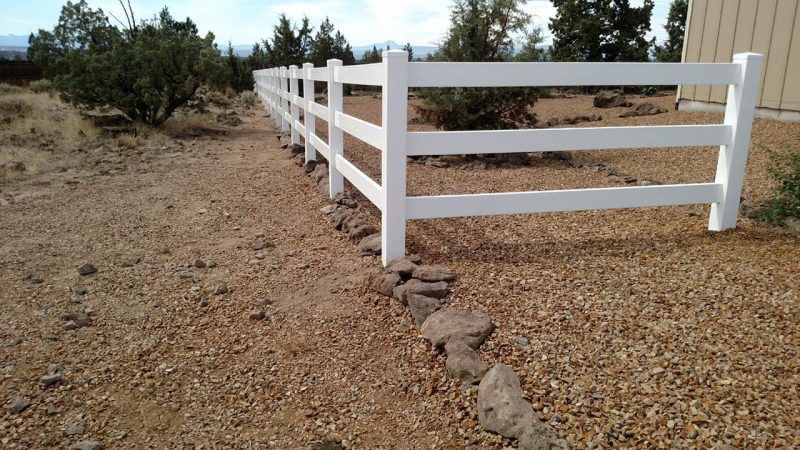 vinyl-ranch-fencing
